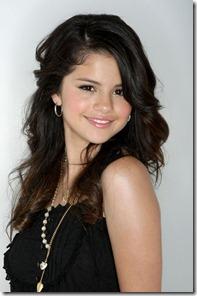 Selena Gomez21
