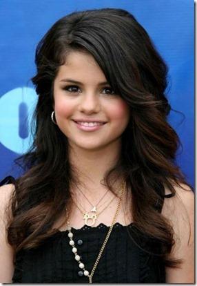Selena Gomez52