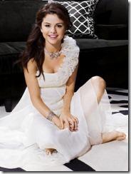 Selena Gomez72